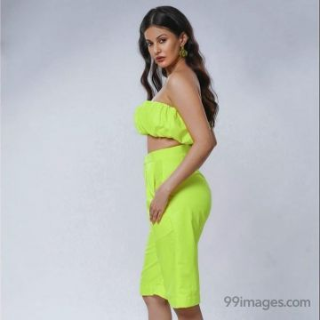 Amyra Dastur Hot HD Photos & Wallpapers for mobile Download, WhatsApp DP (1080p)